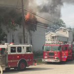 Huge house fire in Smoketown on Vine Street. No word if anyone was inside. #wave3news #breaking http://t.co/fTFO2q4wnx