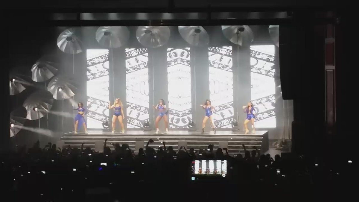 Now that's how you open a show @FifthHarmony!  #Harmonizers #ReflectionTour http://t.co/A5NrWzIRzV