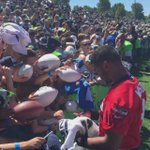 #Seahawks fans greet Wilson, Lockette and Graham at end of first day of #SeahawksCamp @seattletimes http://t.co/d1Y2skdqq0