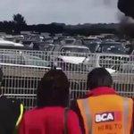 فيديو.. لحظة تحطم طائرة سعودية خاصة بأحد مطارات #بريطانيا وعلى متنها 4 أشخاص . #تحطم_طائرة_سعودية_ببريطانيا - http://t.co/NGjbtLG5UM