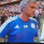 Mourinho throws his medal to a kid in the crowd. http://t.co/IqdeTZGgHH