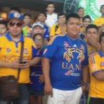 2 aficionados @Rayados cayeron en la boca de @TigresOficial y con los incomparables en el aeropuerto http://t.co/bYW5L2prc6
