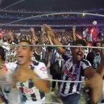 El #EstadioBBVABancomer haciendo un homenaje a la Pastora, enjaula a su aficion, cual viles changos! . . #GHESPETO http://t.co/JE9a54OuOy