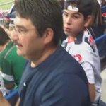 El padre de Montes emocionadísimo tras ver a su hijo convertir el primer gol en el BBVA Bancomer (vía: @zonarayada). http://t.co/u55p4qDQTk