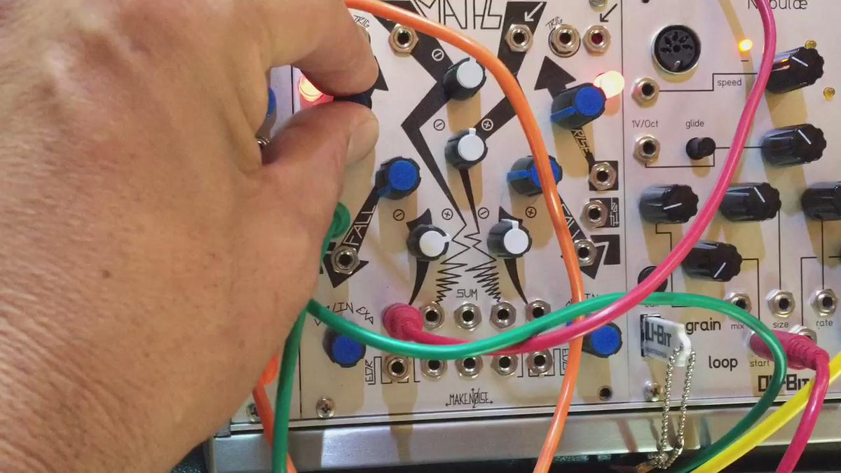 Using @makenoisemusic Maths as an oscillator with the old music easel. #Buchla - going full circle (cycle?)