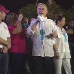 "RT @AlvaroUribeVel: Aquí en Colombia jamás se maltrataría a un venezolano que venga a vivir entre nosotros http://t.co/SQY9pGrJhV"""