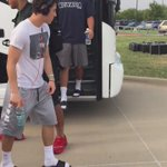 No. 1-ranked De La Salle steps off the bus to enter into Vernon Newsom Stadium to play Euless Trinity at 8. #txhsfb http://t.co/w7yYkqkYPw