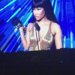 Nicki a Miley hace unos momentos ???????? http://t.co/OSidnFKPTB