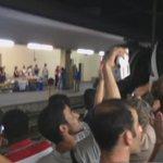 Tosender Applaus. Österreich heißt Flüchtlinge willkommen. http://t.co/BmCEVvCUIB