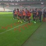Dernière entraînement avant Belgique-Bosnie ! Travailler dur, jouer dur... Faisons-le ! #tousensemble #belbos http://t.co/jZGW6lXmFi