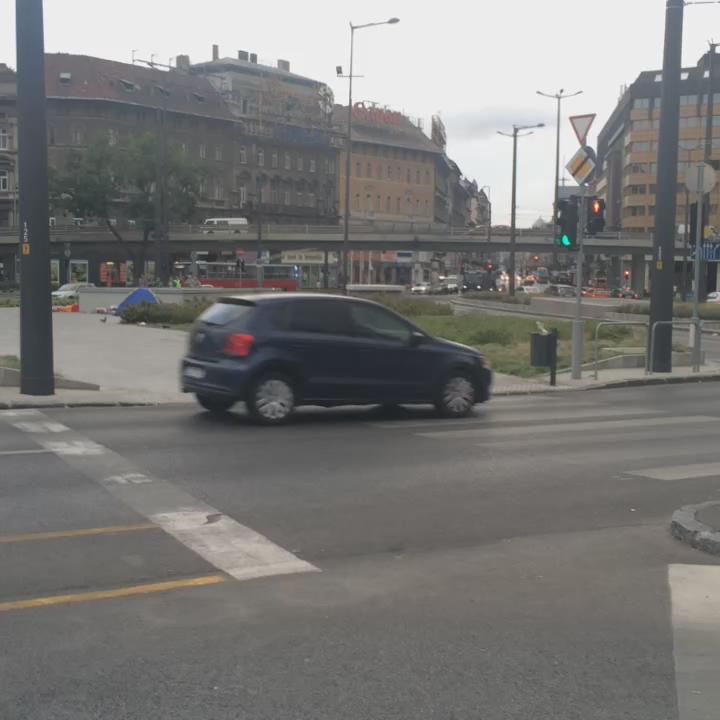 The morning rush hour in Budapest http://t.co/zLITGLAmz9