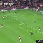 Olan var olmayan var Sneijder versiyonu.. ( @GsVine_ ) http://t.co/uVS56FzNbz