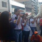 .@jguaido : RETRASAN LA AUDIENCIA PORQUE LA ÚNICA SENTENCIA de @leopoldolopez debe ser de LIBERTAD. http://t.co/Ah6LQmqPo7
