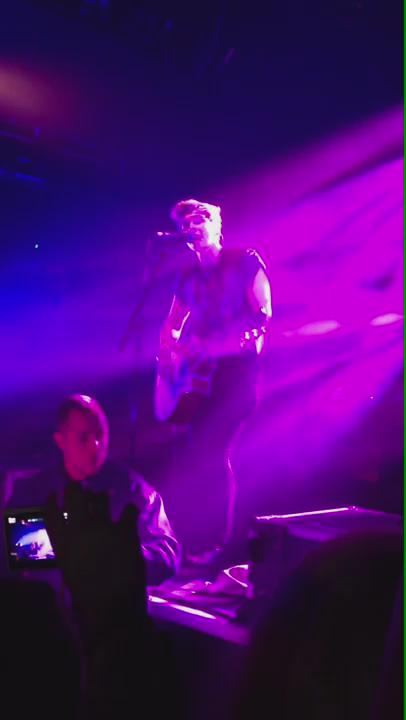 Here's some of the vid that @Tha5SOSFamily was talkin about. Ur welcome. http://t.co/OwVMcWDLru