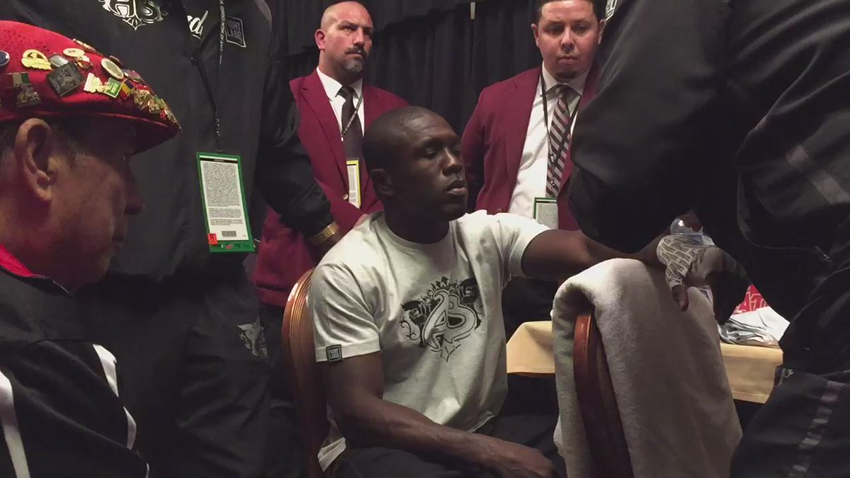 Andre Berto (@AndreBerto): Wrapping the tools. Almost go time on @SHOsports PPV. #TeamBerto #MayweatherBerto http://t.co/nc3Ty237LL