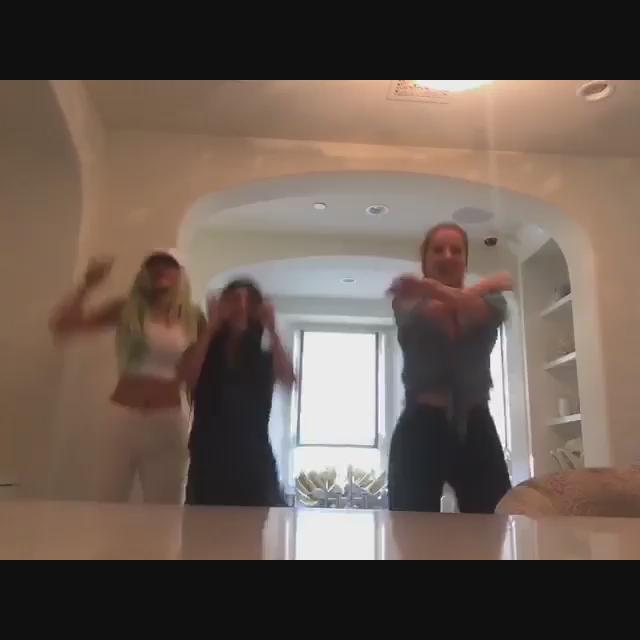 Just a silly bathroom dance party with my sisters! Here's some of my live stream from earlier http://t.co/hkXbCz288F http://t.co/pLVUvYtvei