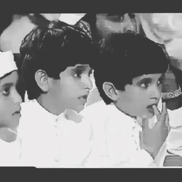 مقطع يظهر فيه الشيخ راشد بن محمد مع شقيقه حمدان في احدى البرامج التلفزيونيه   #راشد_بن_محمد_آل_مكتوم_في_ذمة_الله http://t.co/SNw9NBm1Hr