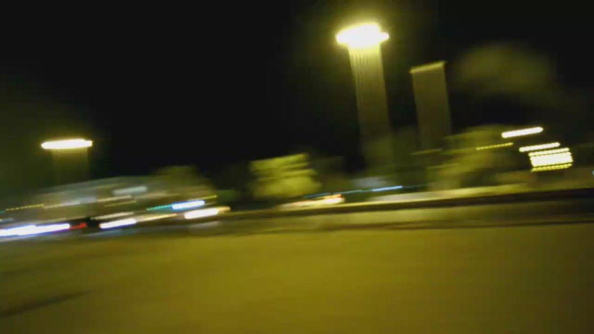 قبل قليل أمام ريجنسي، شارع البدع، أوقفوا السيارات جبرا ليفعلوا هذا ومنا لوزارة الداخلية وكاميراتها التي تملأ الشارع http://t.co/E5EiOUAjnU