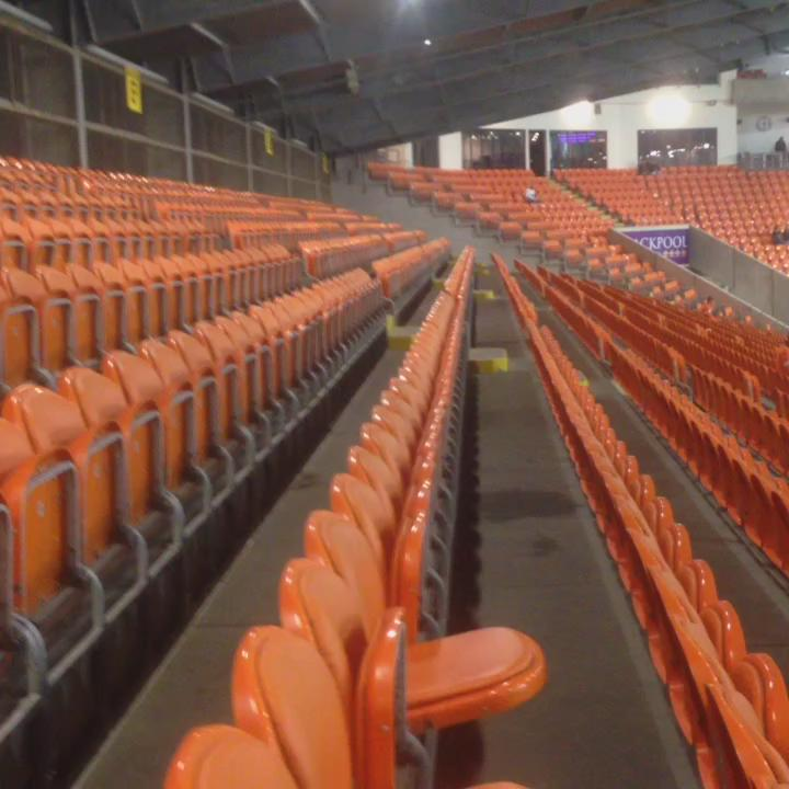 Don't you just love a big match atmosphere. Bloomfield Road this evening seven minutes before kick-off http://t.co/PBMZ8LLo4q