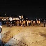 Aterriza avión con miembros de brigadas de rescate mexicano que ayudarán en #TragediaElCambray. Vd: @Guatevision_tv http://t.co/zU5Wsdk1gJ