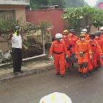 Continúa el trabajo de rescate de cadáveres en #DerrumbeElCambray2 #EsTiempoDeAyudar http://t.co/kpEl3Q2MG2