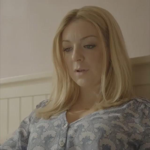 Tonight at 9pm, watch #TheCWord about @LisaLynch, starring @Sheridansmith1 #BreastCancerAwareness http://t.co/4KKHYPhO8r
