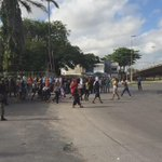 Saída dos ocupantes da Reitoria da UFPE! http://t.co/nsiWnZ0px8