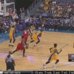 Julius Randle goes behind-the-back and finds Kobe for 3 http://t.co/WTnJRl8XI2
