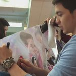 Exclusive with @aldenrichards02 signing Japan chapter tarp!!! WOOOHO!!!! @MaineAlden16  #ALDUBComeWhatMay  http://t.co/xpbed94hAd