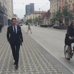 Good morning from #Slovenia #Ljubljana. Walking to first meeting at the Ministry of Finance. #investEU @ECinSlovenia http://t.co/sd1OdpyT99