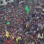 جنازة مهيبة للشهيد #مهند_حلبي شرارة #انتفاضه_القدس ، وصفت بأنها الأضخم منذ سنوات في الضفة. #الانتفاضه_انطلقت http://t.co/ncYUjIPdbr