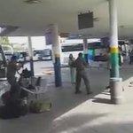 فيديو صادم لحظة إطلاق النار على فتاة العفولة بالداخل المحتل من الصهاينة يرجى نشره بكثافة وفضحهم ???? #الانتفاضة_انطلقت http://t.co/0DGbb5op7f