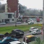 Así arrancó el incendio en automotora de Avenida Italia y Propios. Video @Subrayado http://t.co/YiQJC0LGTe