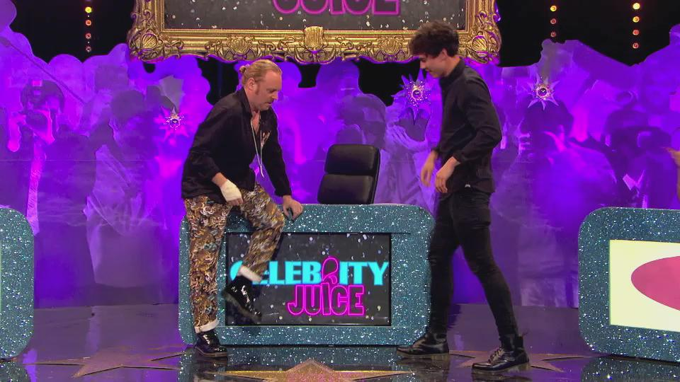 We asked for it, you did it. So 'ere you go, enjoy @calum5sos's special dance! #CelebJuice #5sosOnJuice @5SOS http://t.co/TiycdQHCi9