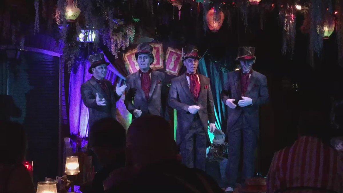 バイユーにて目の前で披露してくれたCadaver DanのGrim, Grinning, Ghostめっちゃ良かった。 http://t.co/TAiHoDxnrb