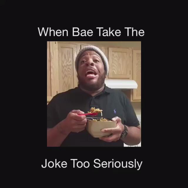 """When bae take the joke too seriously.."" w/@TahirMoore @TalkofSTL @CoolAssScott & myself. #stlcomedy https://t.co/s4Y6dDMFUs"