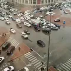 فيديو يختصر مشاكل السواقة في السعودية https://t.co/JRKikrKhQF