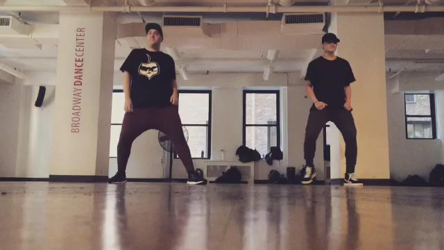 Amazing class today @BroadwayDance. New @Juniorboys!! Tag them please :) dancing with my bro @kendabeatz. https://t.co/HPc8ucMQqO