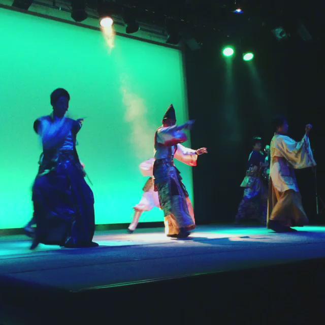 【学園祭】大人気の武将隊、神戸・清盛隊によるライブ。トークも面白いんですよwww @KOBEkiyomoritai #kamifes2015 https://t.co/B0ogxk8yTF