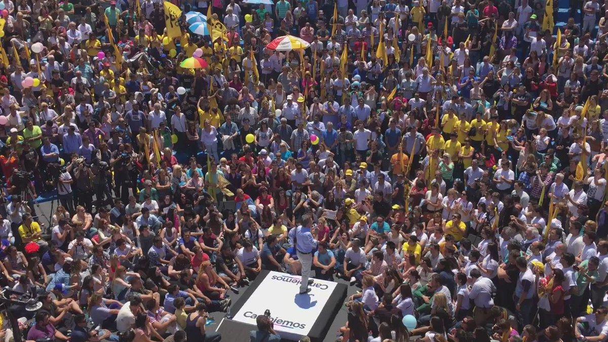 """La Argentina desperto... Ya no tenemos miedo"" @mauriciomacri #MacriPresidente https://t.co/ZFVd4LZtiH"
