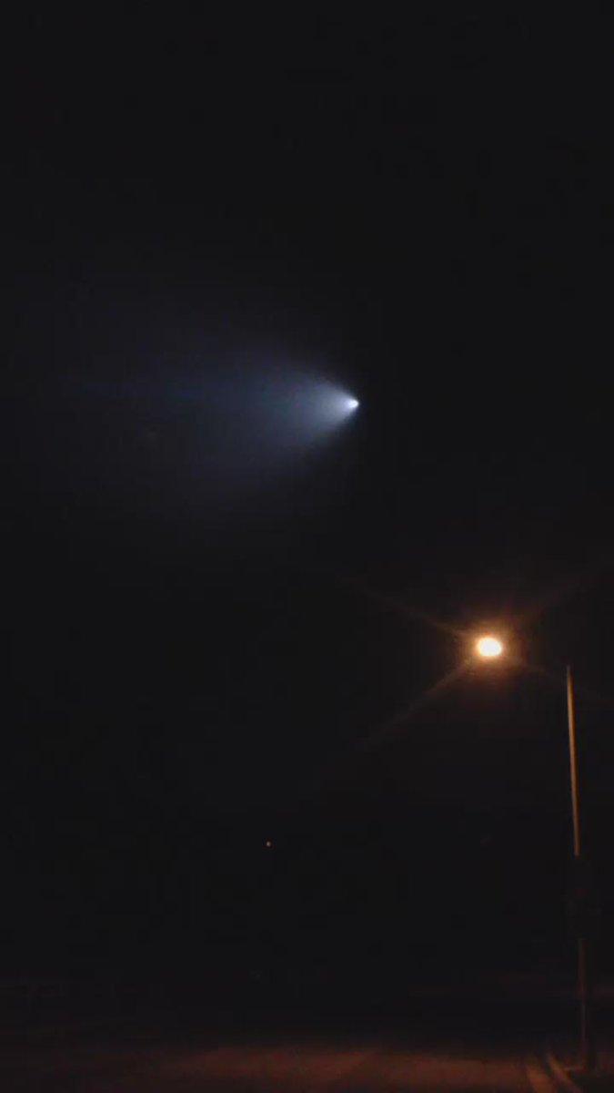 Tail end of the #UFO we saw tonight https://t.co/kIBIH6Iasr