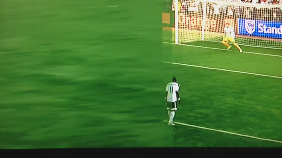 Video: Mbwana @samatta15's penalty. @TPMazembe 1-0 @usmalger_com https://t.co/E97P6FVhbh