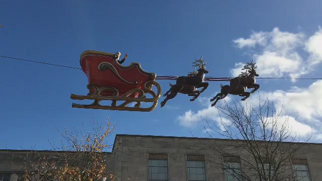 From tomorrow - Santa Claus is coming to town! #Southampton #FlyingSanta #elfandsafety https://t.co/Y64uvjYcEb