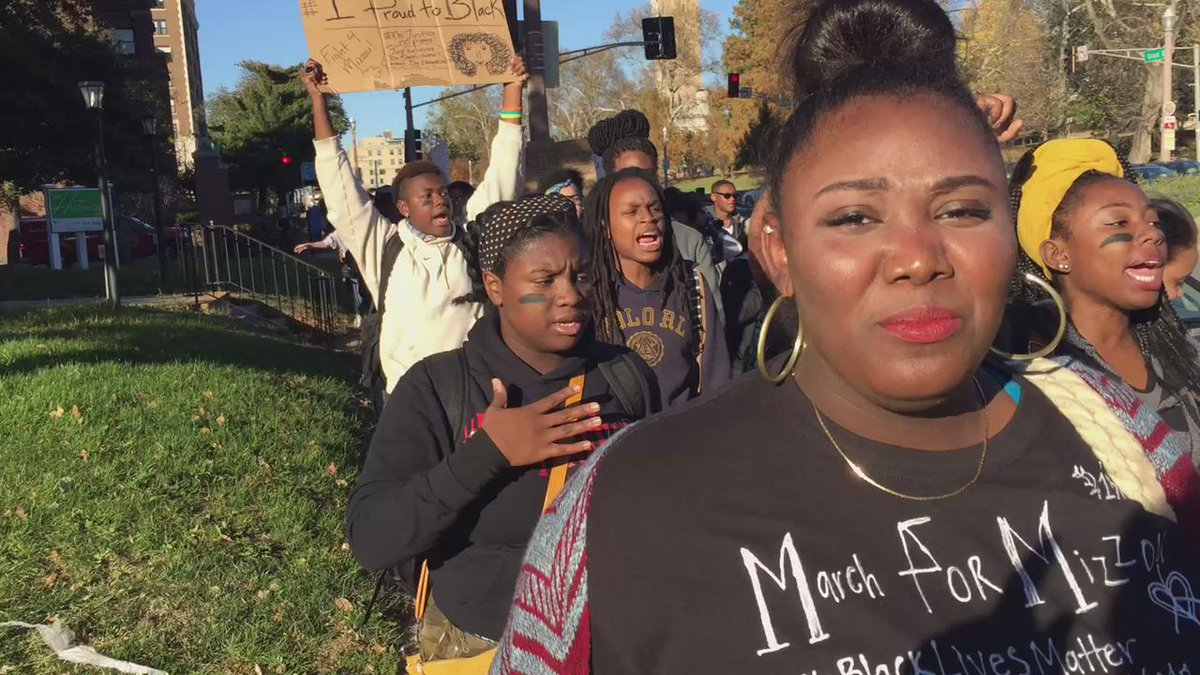 #STL Grand Center Arts Academy HS students marching on sidewalk on Grand in support of Mizzou #ConcernedStudent1950 https://t.co/lXZfZwFk7b