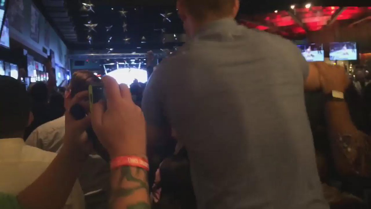 This is great-> RT @DuaneFinleyMMA: The reaction in Albuquerque when Holm KO'd Rousey @Cowboycerrone @felderpaul https://t.co/QNUtAF3cM3