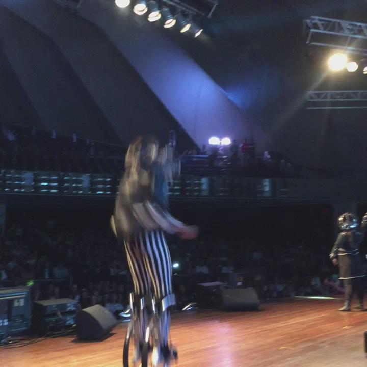 Começou já daquele jeito, NAS ALTURAS! #PJB2015 #VivaJuntoVivaSchin https://t.co/Jpg6a9ThfO
