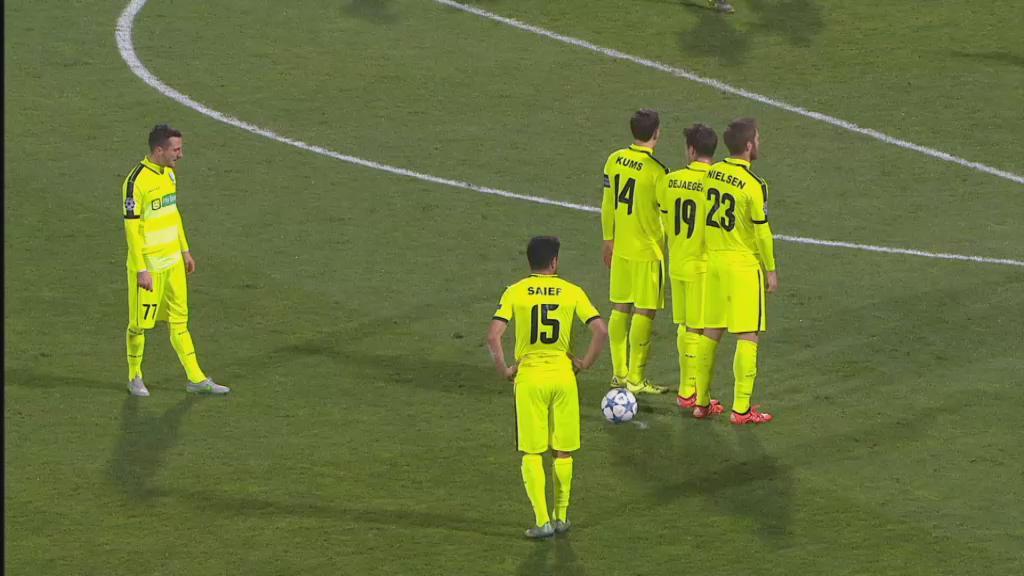 De boogschutter van @KAAGent doet het weer. @Milicevic_D krult de 1-1 erg knap voorbij Lopes in doel. #olygnt https://t.co/CA9Vbgc1Sk