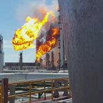 Captan en video, la explosión en la refinería de @Pemex en #SalinaCruz. #TwitterOax #Oaxaca https://t.co/5oCm9CTLxz