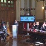 #RosaGil, presidenta de Asoc.de Mujeres Abogadas de @icavalladolid, lee el #Manifiesto del #25N en el #Ayuntamiento https://t.co/sK934eT90a
