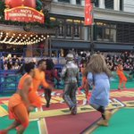 Ease on down, ease on down to 34th Street! #TheWizLive #MacysParade https://t.co/TrchyaRSSE